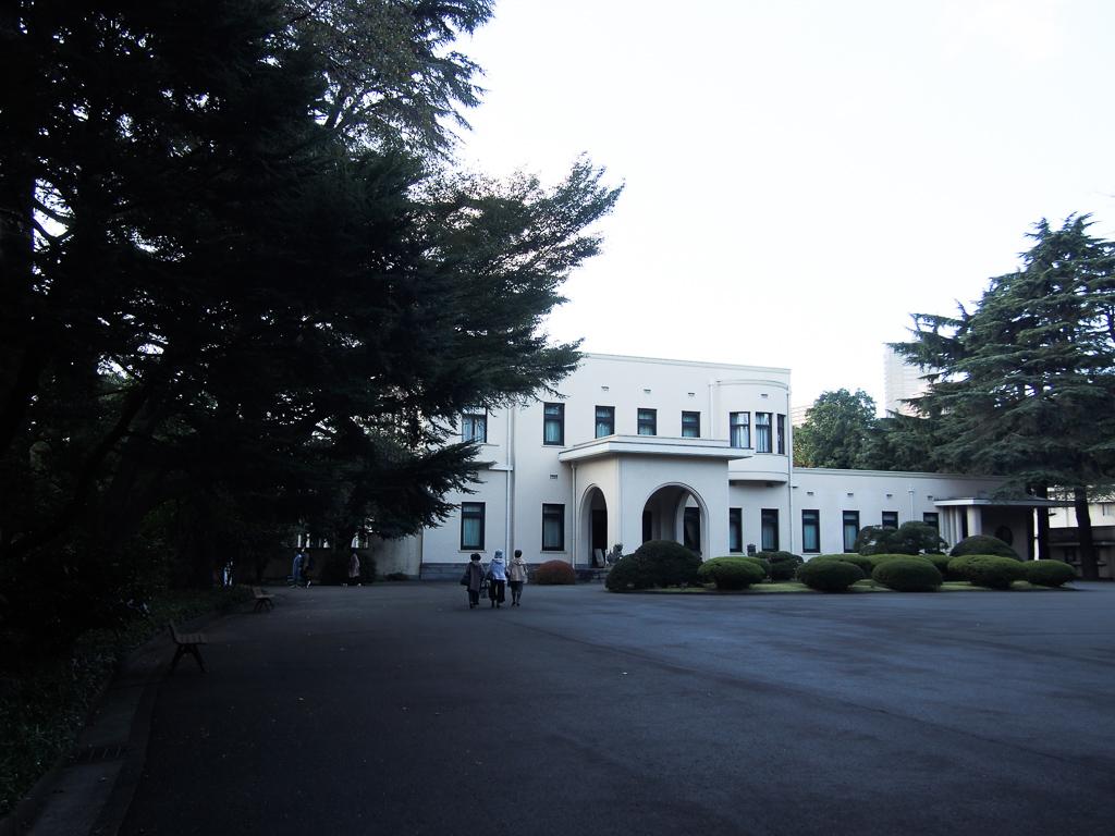 庭園のみの散策も楽しめる「東京都庭園美術館」