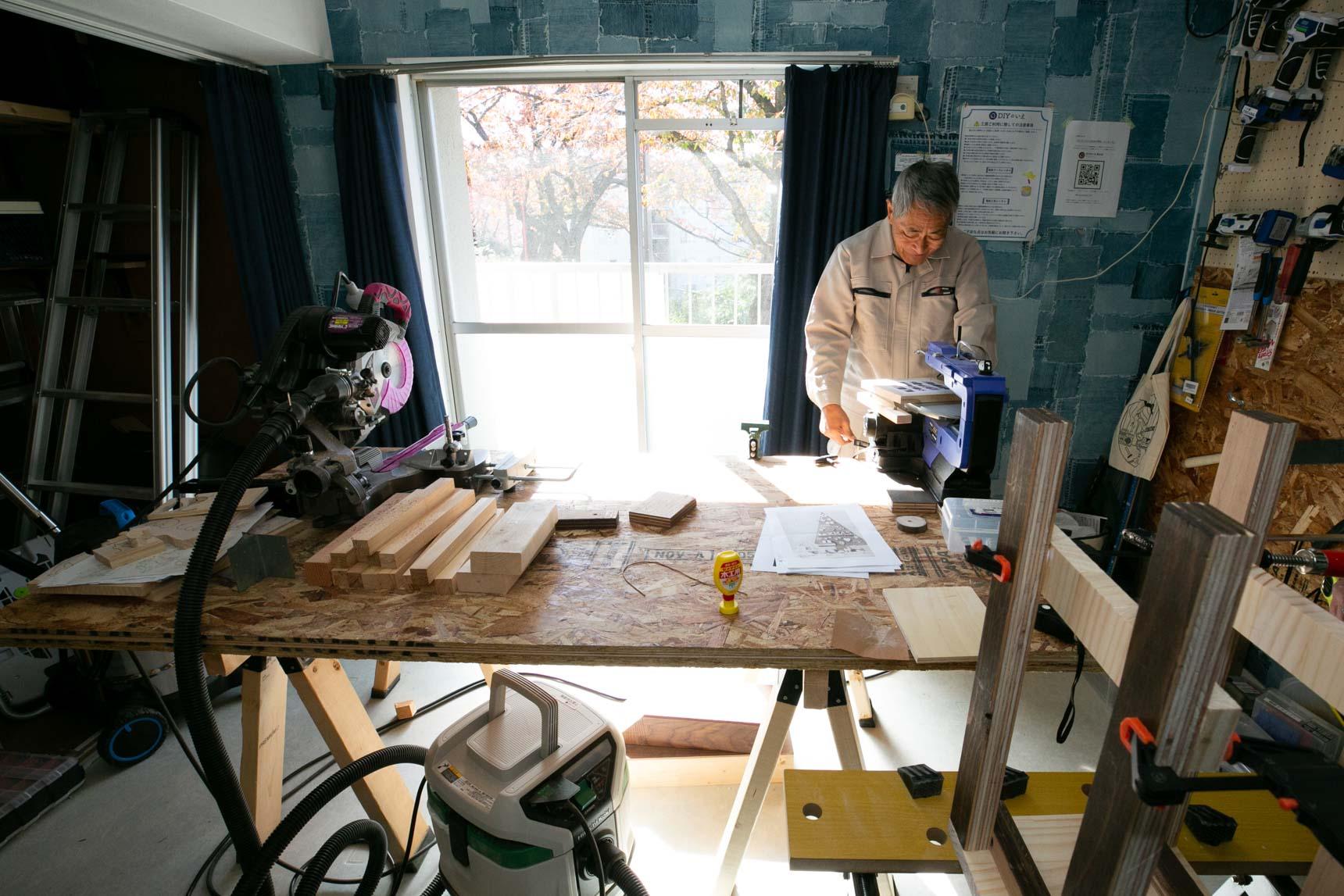 工房には、たくさんの工具が揃えられていて、技術に詳しいスタッフがサポートをしてくださいます。住人の方がスタッフとして参加してくださるようにもなったそう。