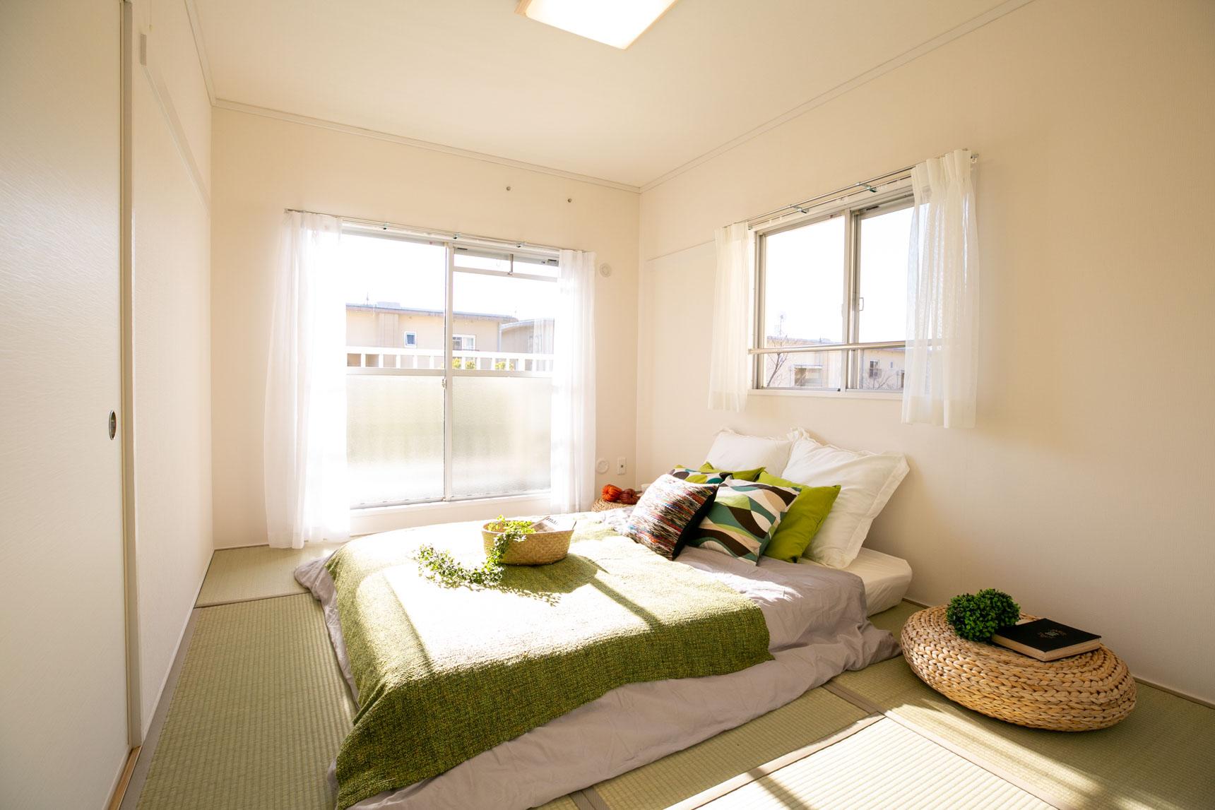 寝室となる2部屋は畳のお部屋。日当たりも良く、気持ち良さそうですね!