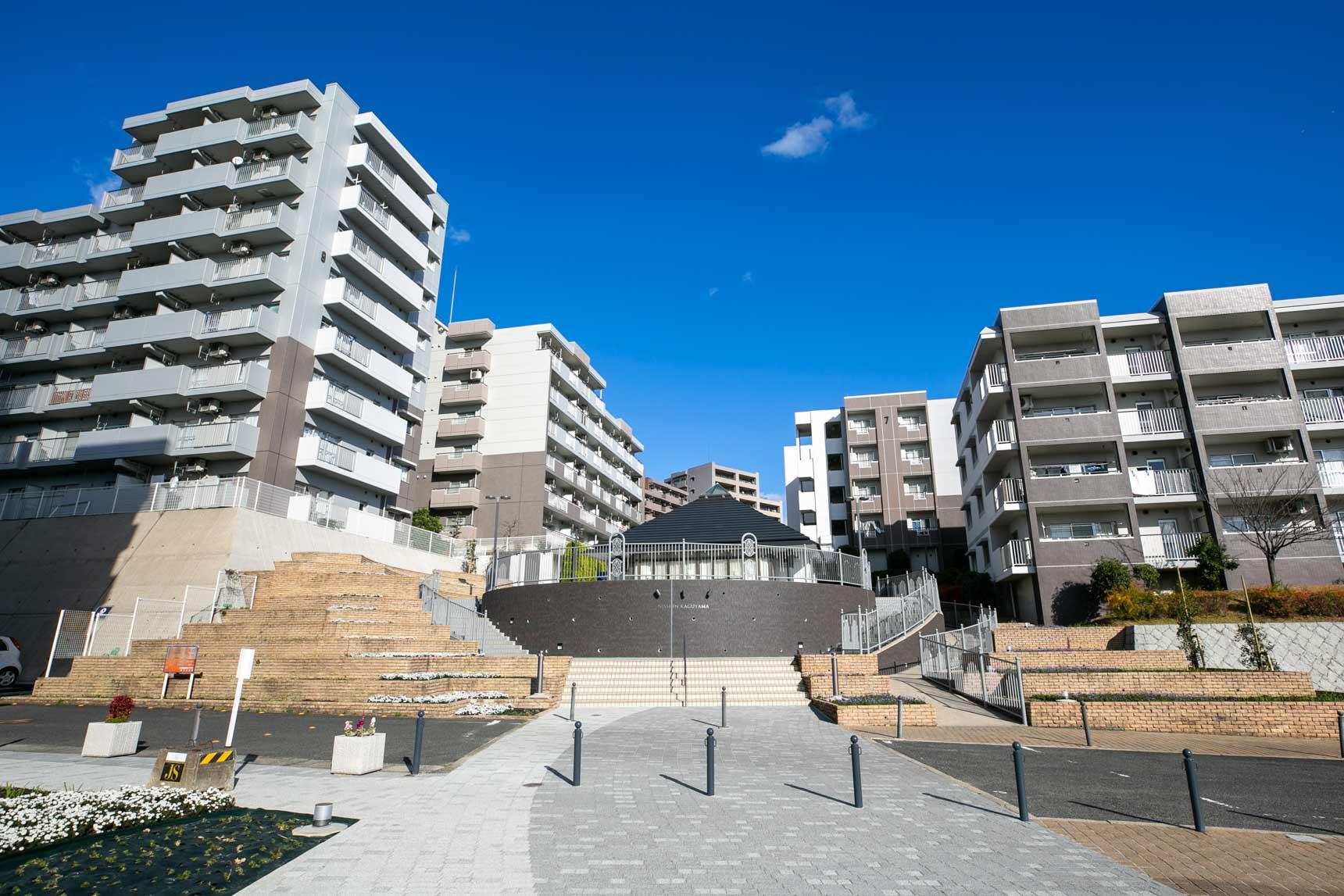 こちらが今回ご紹介するUR賃貸住宅「日進香久山花の街」です。