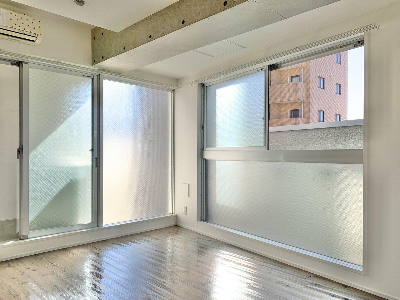 2面に大きな窓があるのも特徴。明るくっていいですね。