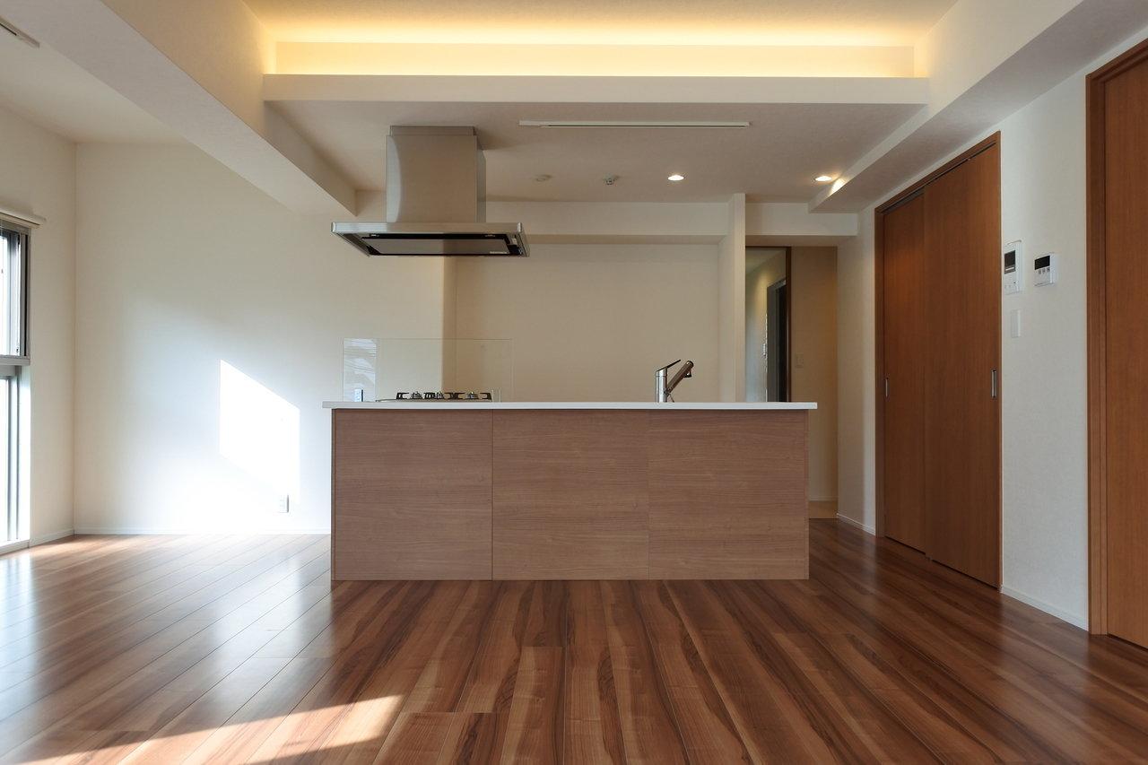 90㎡超、ゆったりとしたつくりが快適な築浅の3LDKのお部屋です。LDKはなんと22畳!