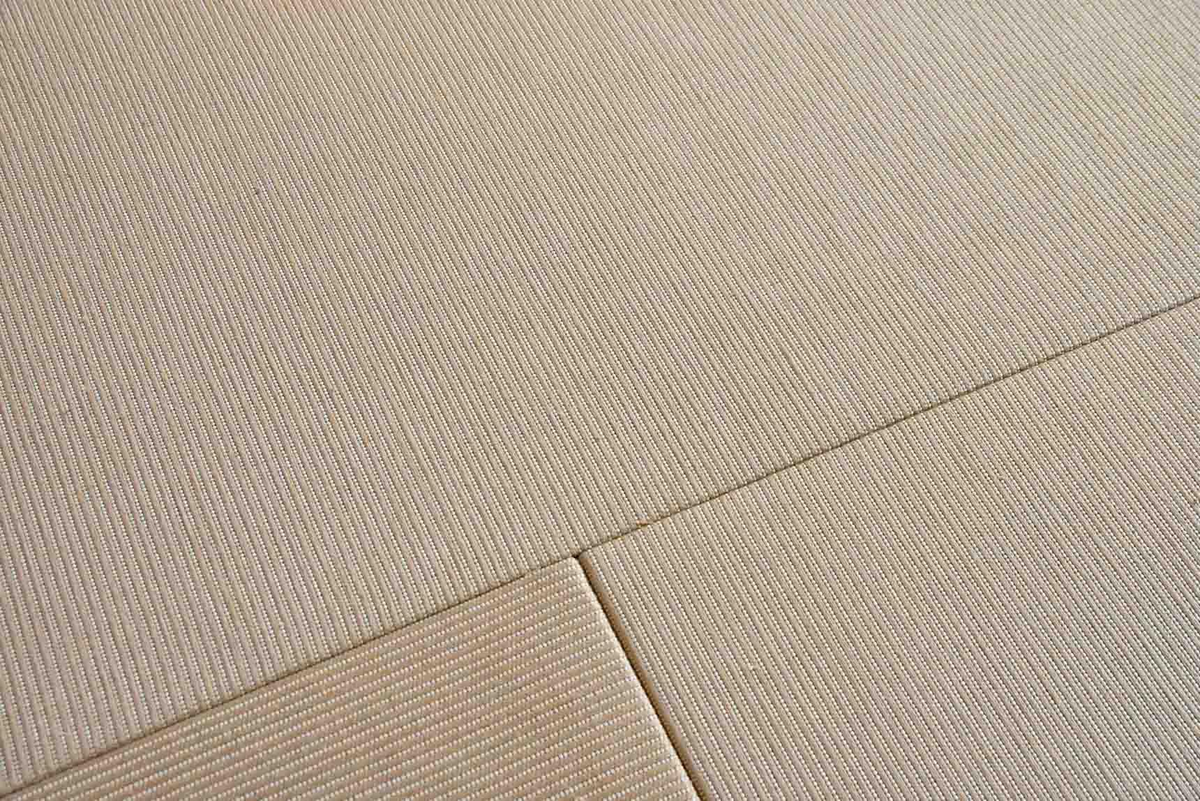 また、寝室とリビングの床には「麻畳」が使われています。