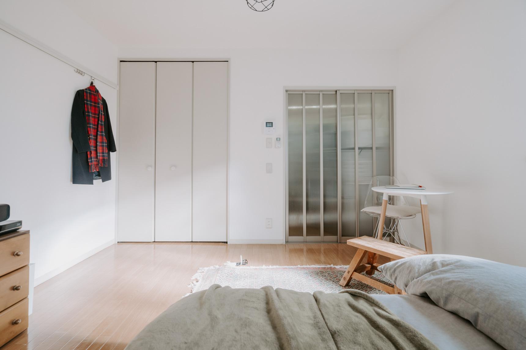 床をなるべく広く見せるようにしているため、開放感があって気持ち良い空間になっています。