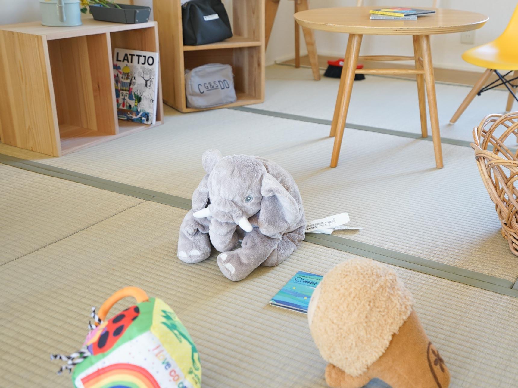 お子さんが遊ぶときにも安心な畳。