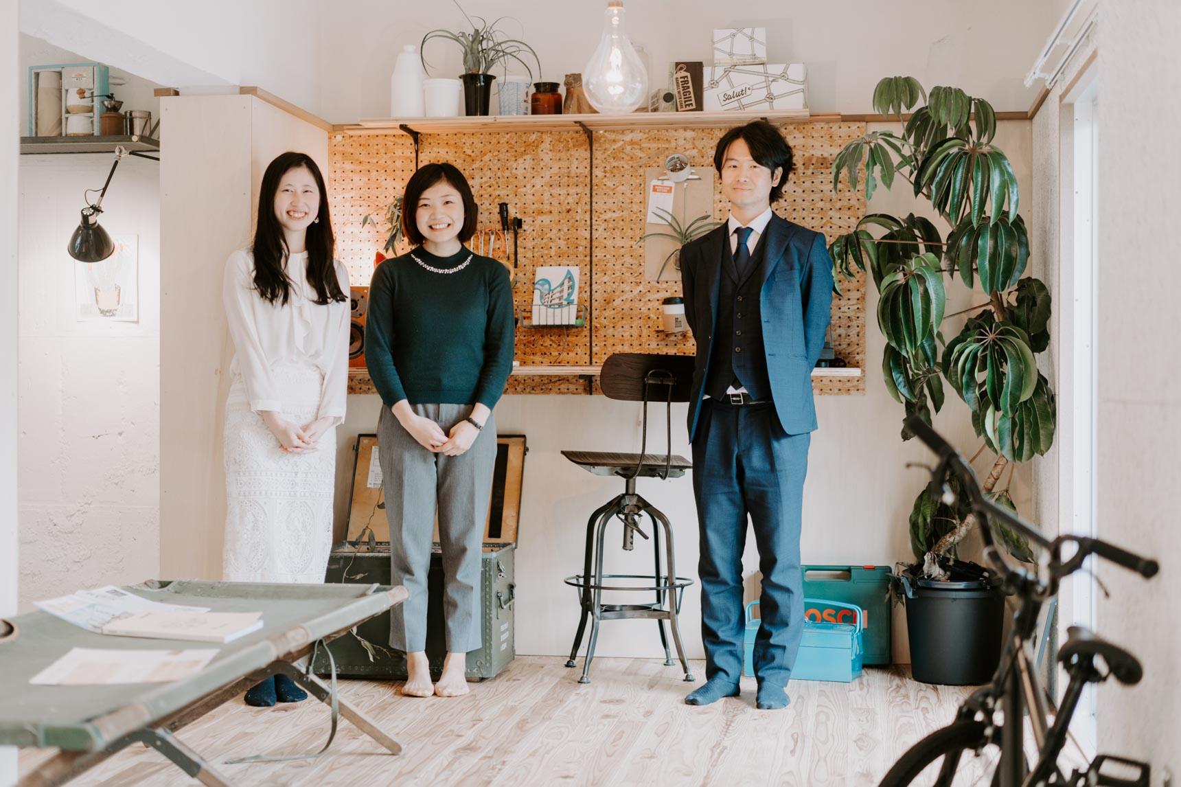 ご案内いただいたのは、左から、このプロジェクトの企画・運営・管理を手がける株式会社フージャースアセットマネジメントの田村さん、朝倉さん、高田さん。