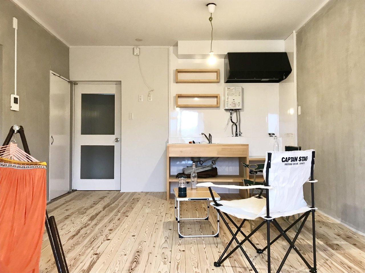 リーズナブルに暮らせるリノベ物件のご紹介です。床は無垢フローリング。細部までこだわってつくられています。