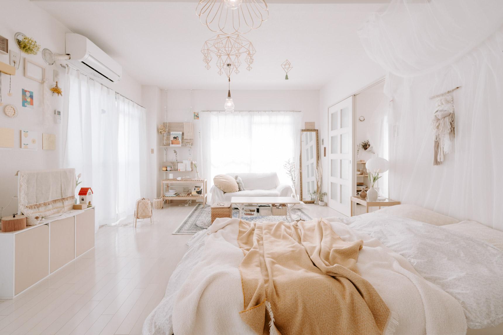 窓がたくさんあって、とても明るいお部屋!