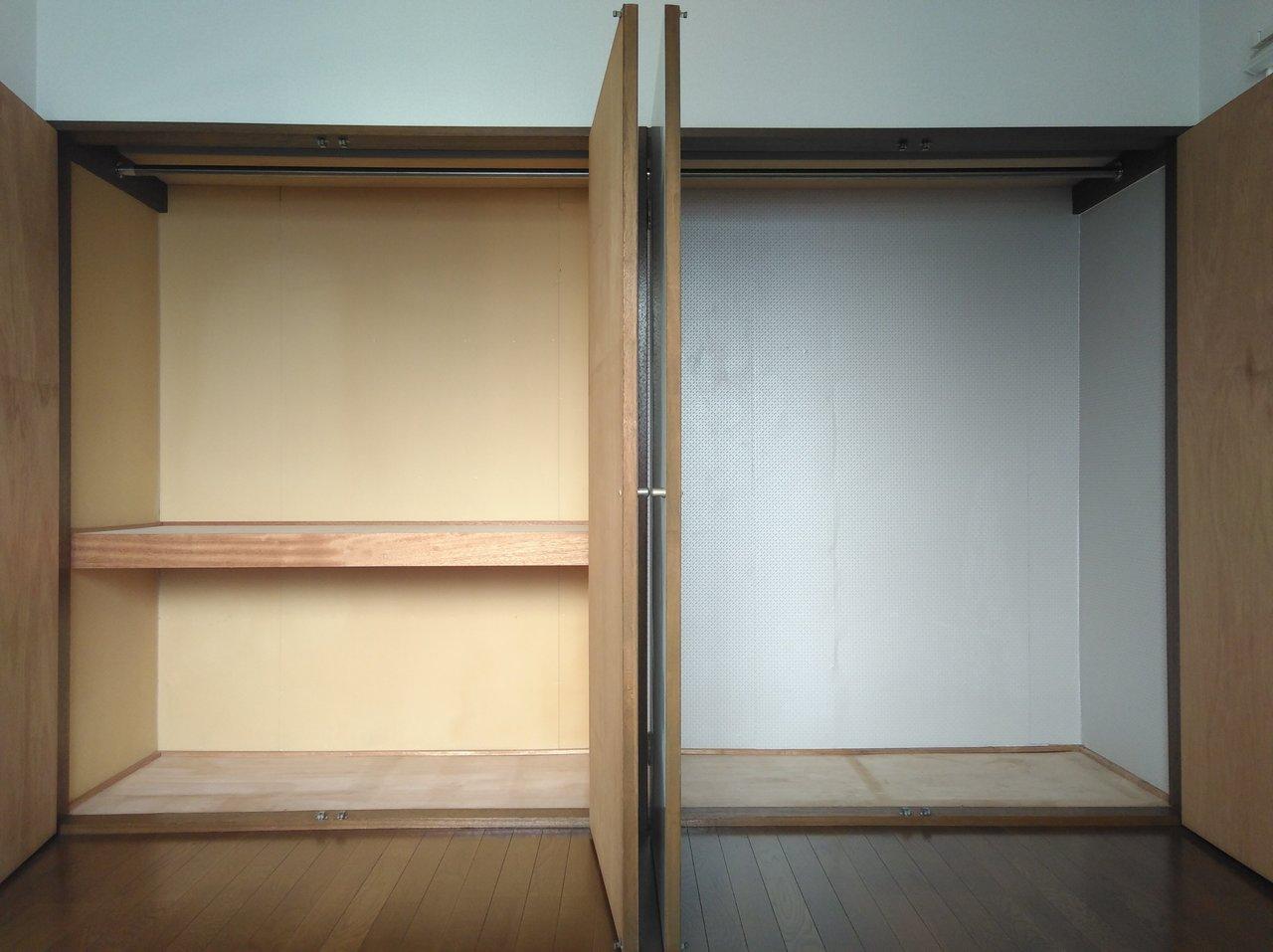 こちらのお部屋には大容量×2つ分の収納スペースが。部屋の広さに加えてこの容量。荷物を少なく見せて生活ができそうです。
