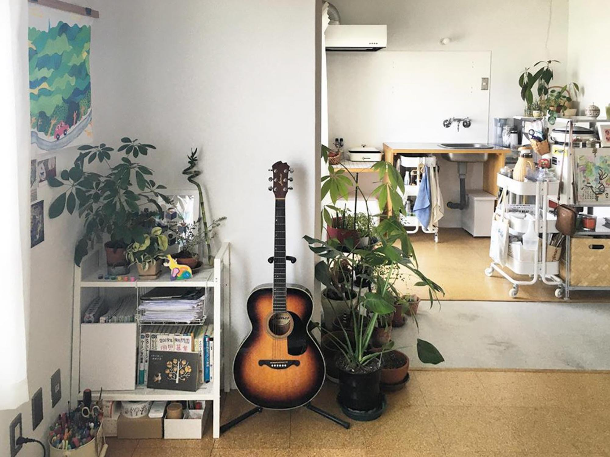 土間のあるリノベーション団地で緑に囲まれ暮らす。心地よい一人暮らしのインテリア
