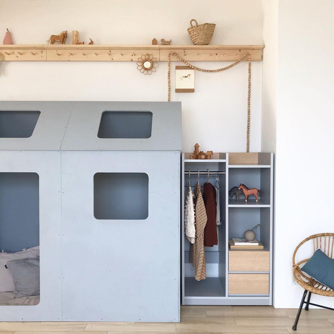 子どもと一緒に暮らしを楽しむ。素敵な色の組み合わせでつくる4LDKマンションのインテリア