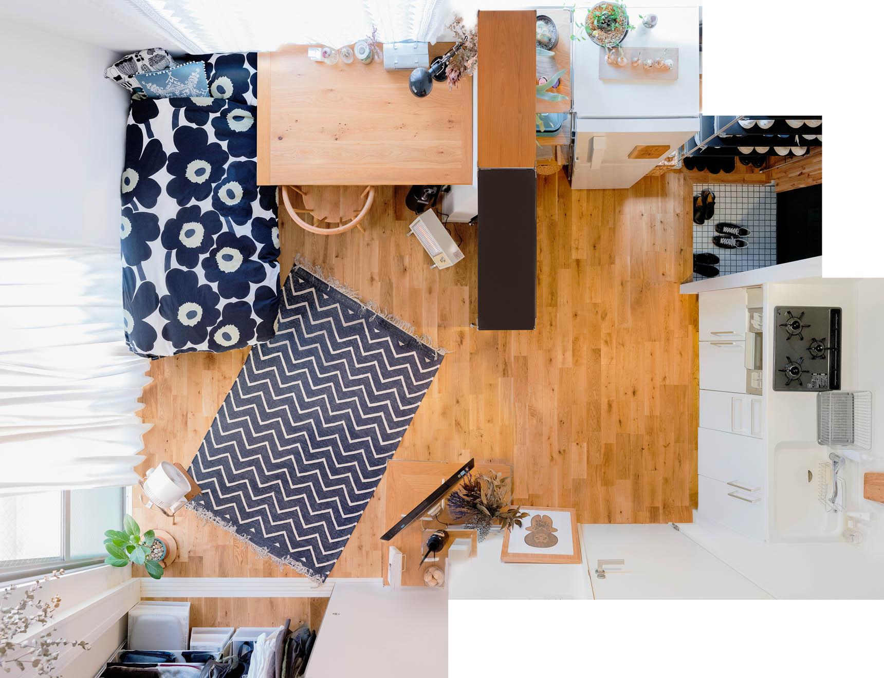 ワンルームで一人暮らしをする渡部さんのお部屋。幅1600mmもある、IDEEのスデューテーブルを活用していらっしゃいました。