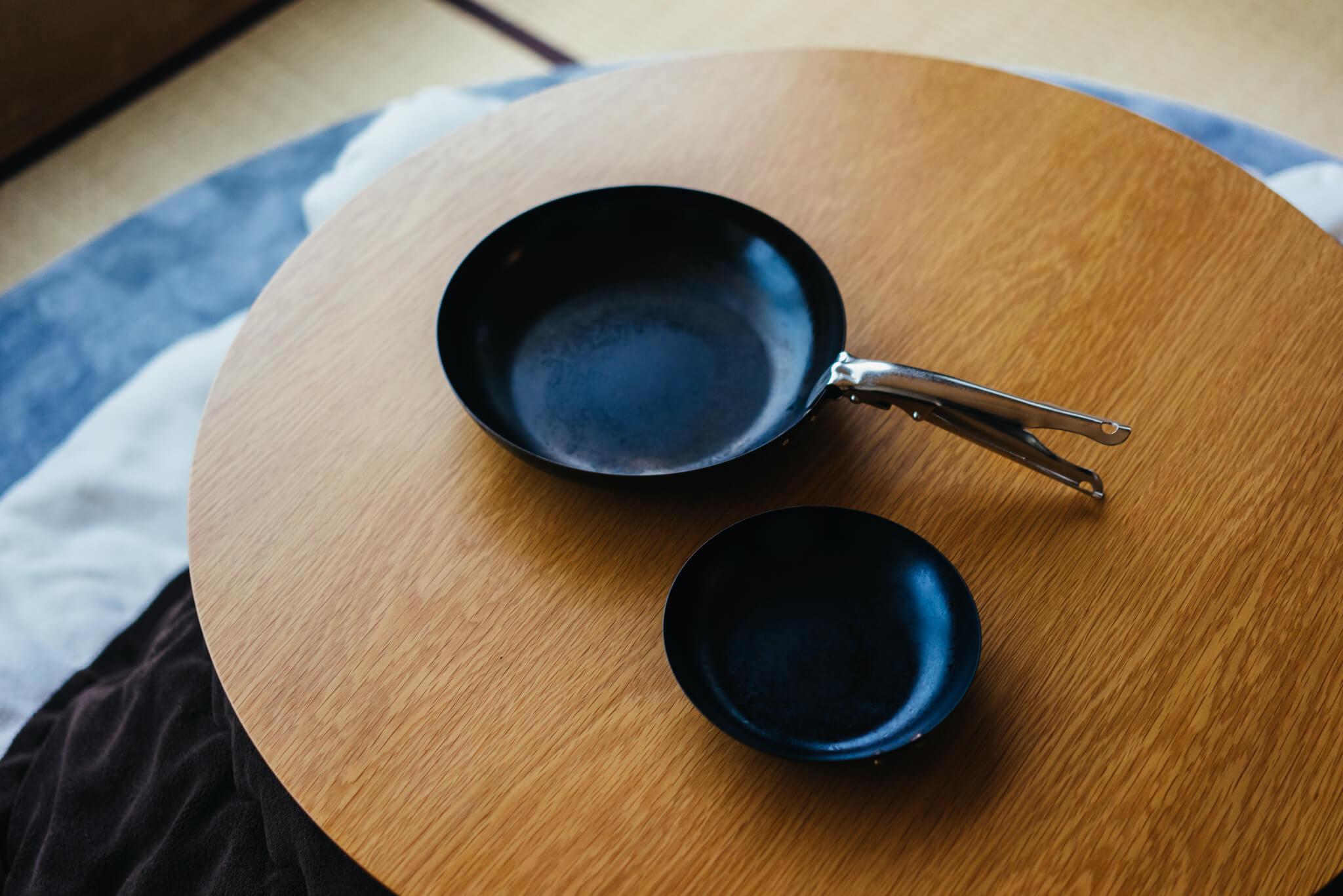 取っ手がとれて便利な鉄のフライパン、COCOpan。収納しやすく、洗いやすい!