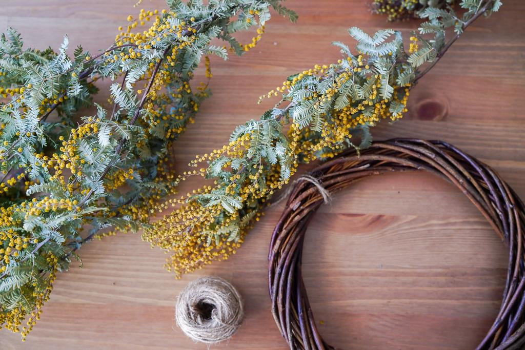 今では自分で買ってきたお花をドライにして、リースやスワッグを作る楽しさも感じ始めています。