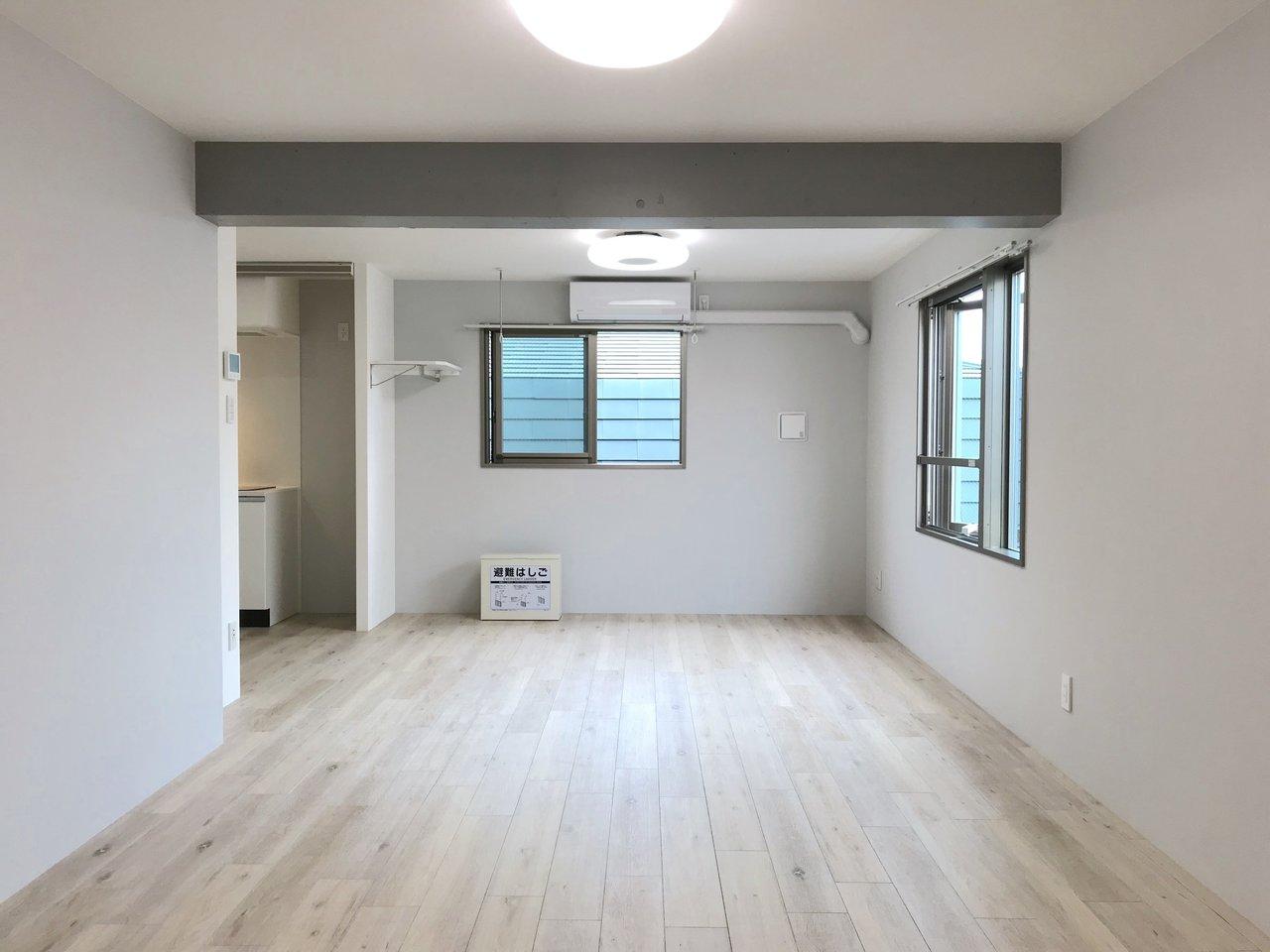 東急東横線の人気駅のひとつ、都立大学駅から徒歩4分のお部屋。広々とした17.8畳のリビングがある、ワンルーム物件です。