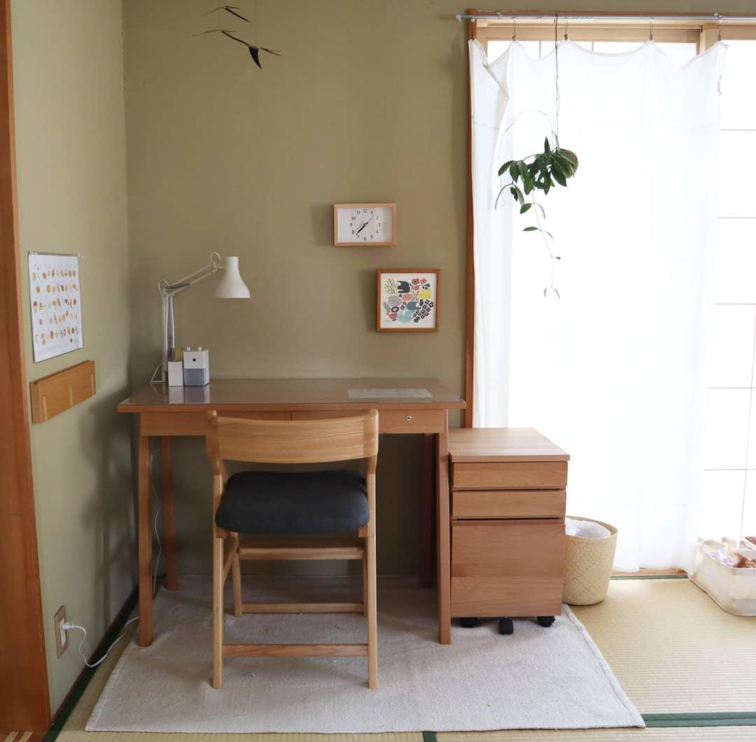 和室の隅には集中のできそうなデスクスペースもきちんと。