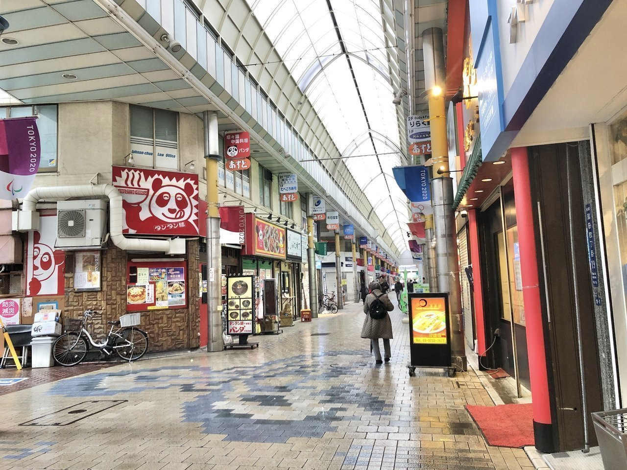 ここからは東側のエリアへ。蒲田駅は渋谷まで約25分と、意外と好立地。羽田空港へも京浜急行線の京急蒲田駅を使えばわずか12分で行くことができます。駅前の商店街もいつも賑わっていますね。たくさんお店があるので、お気に入りの店も探しがいがありそう!