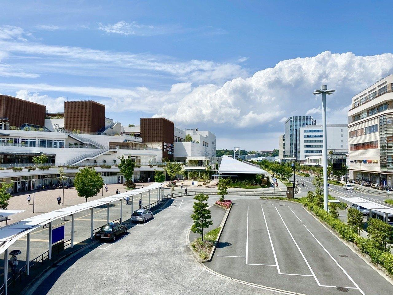 辻堂駅には駅前にショッピングモールがあるため、買い物にも便利です。空が広い、自然を感じられるエリアで暮らすのも、アリですよね。