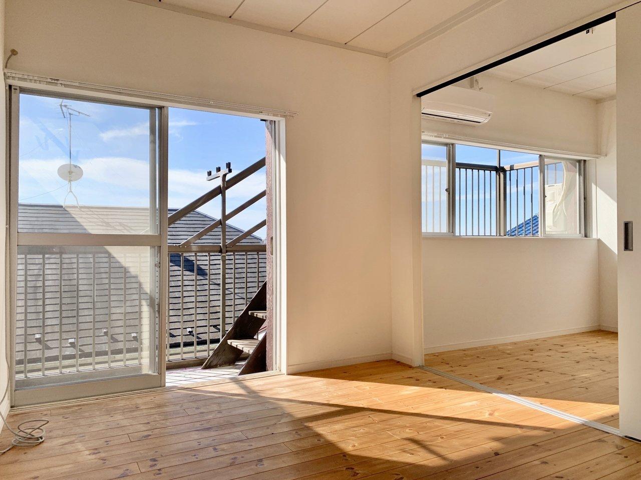 2階には洋室が3部屋あります。うち2つの部屋は仕切りをなくすこともできるので、ライフスタイルに合わせて様々な使い方ができそうです。