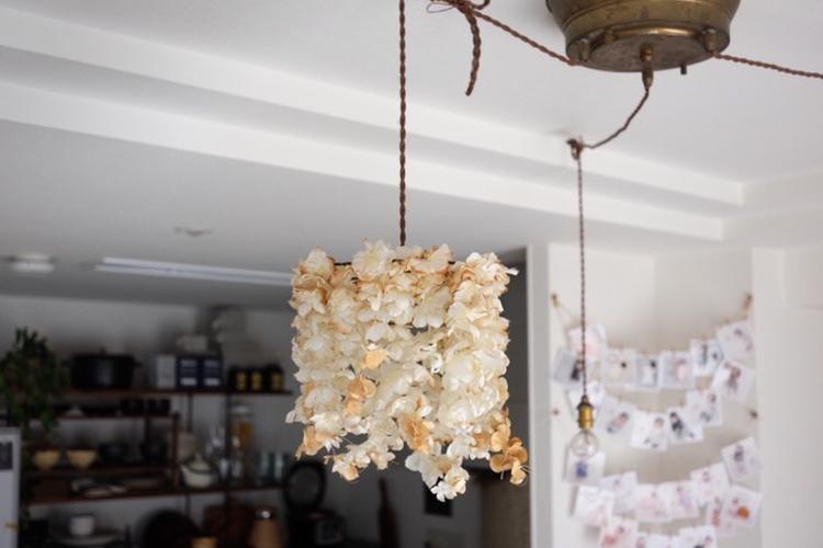 こちらの素敵な照明は、昔から大好きなブランド「m.soeur(http://instagram.com/m_soeur)」のもの。