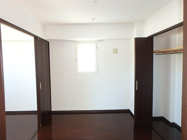 洋室2部屋は隣合わせにあるので、趣味の部屋と寝室を融合させてもいいですね。一つはテレワーク用の書斎なんていうのもアリかも。