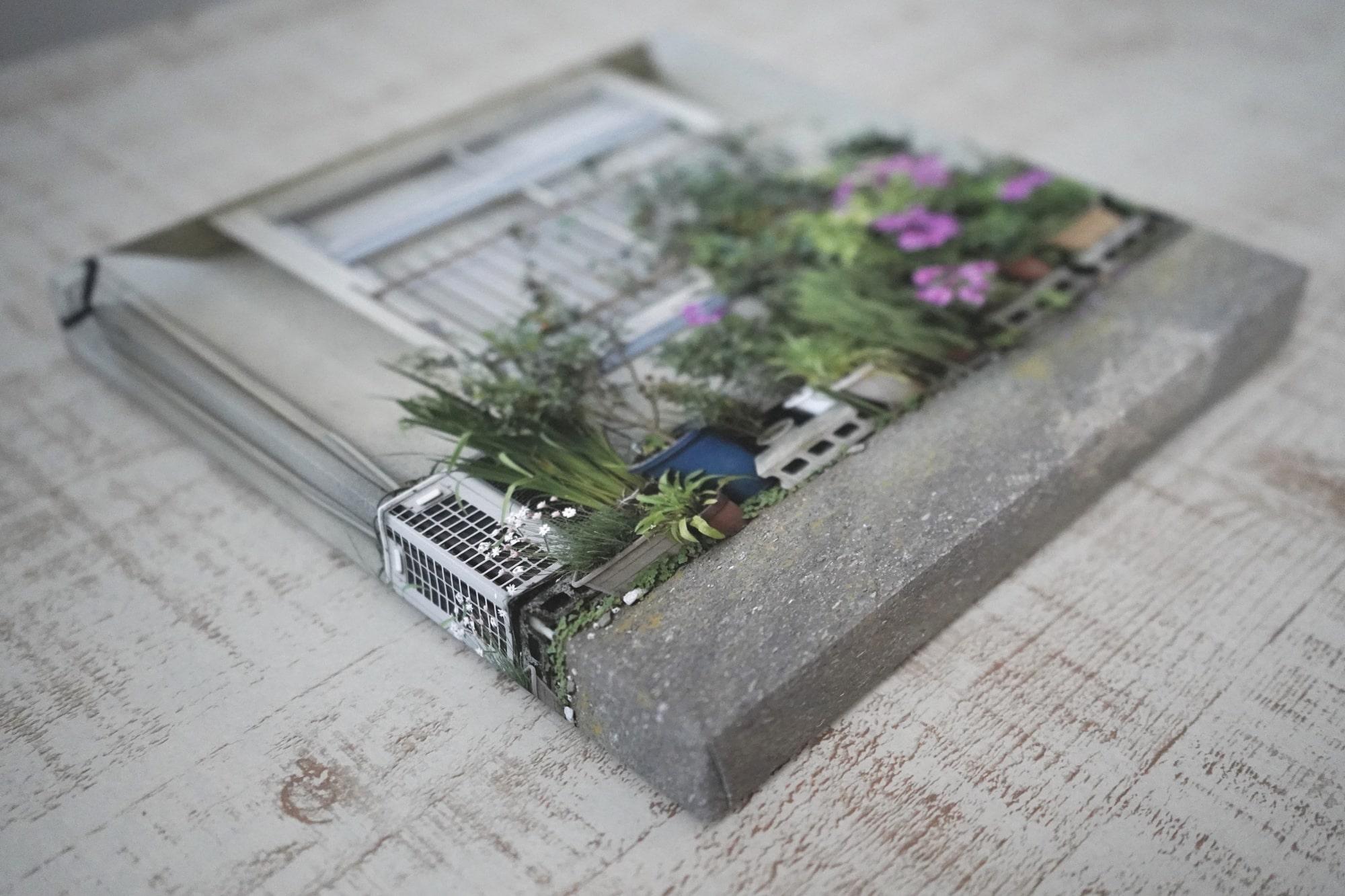 メッシュパネルは、パネル側面まで写真が覆うタイプ。