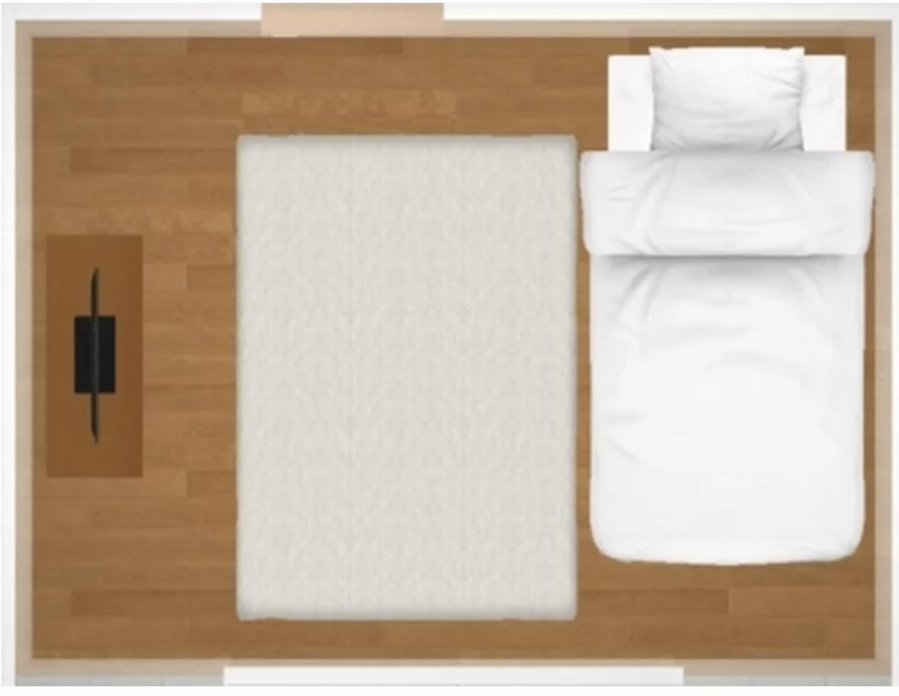 6畳1Kに、短い方の壁に寄せてシングルベッドを置くと、サイズ感はこんな感じ。ほぼ、ベッド横に通れるスペースは無くなることに注意です。
