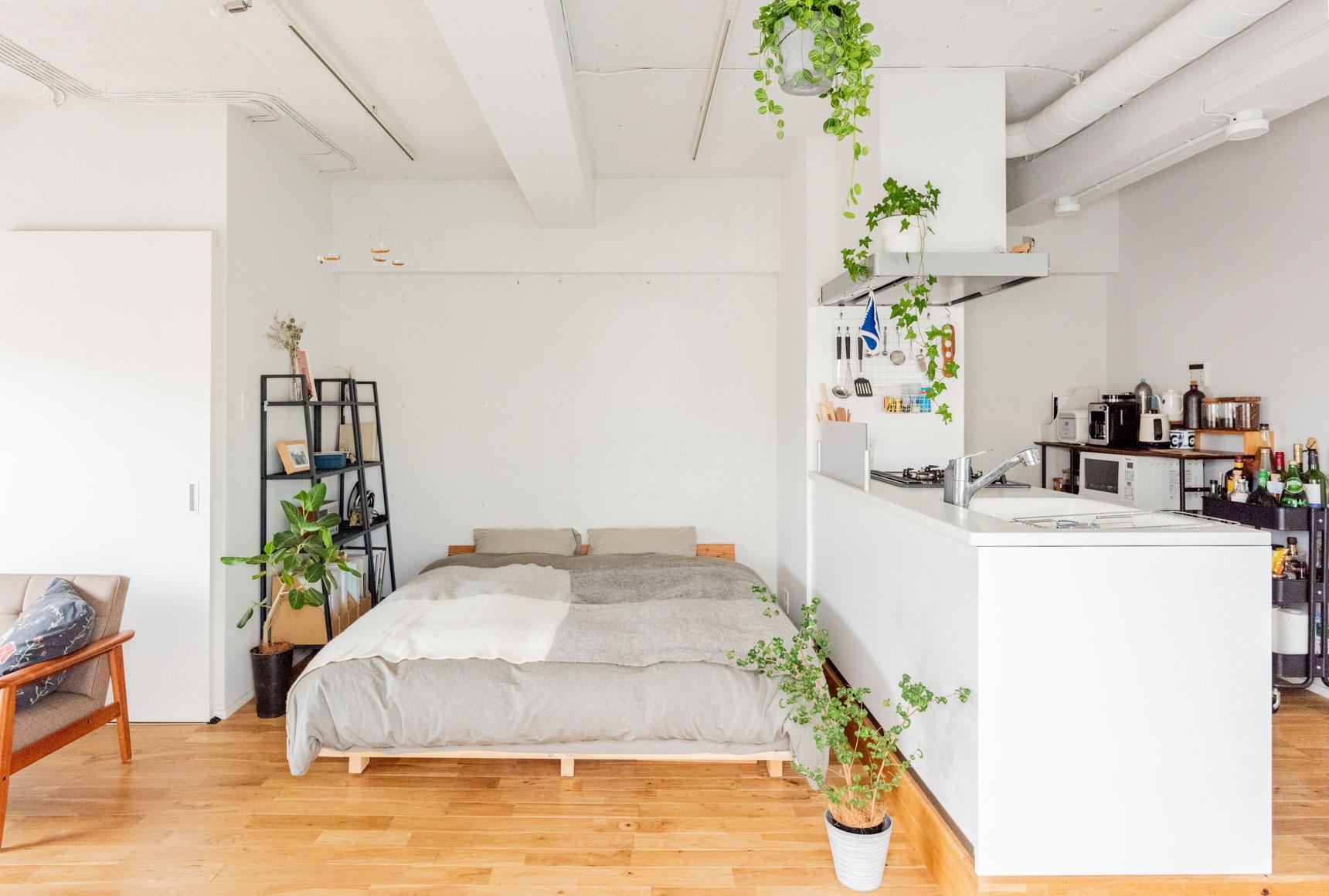多くの方々のお部屋で愛用されている、IKEAのシェルフユニット「レールベリ」もおすすめです。こちらの記事もチェック