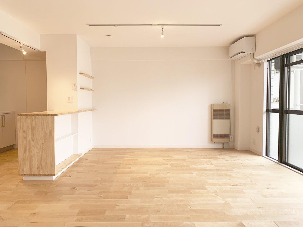 最後は14畳超えの広々リビングが魅力的なこちらのお部屋。もちろん無垢床を使用しています。