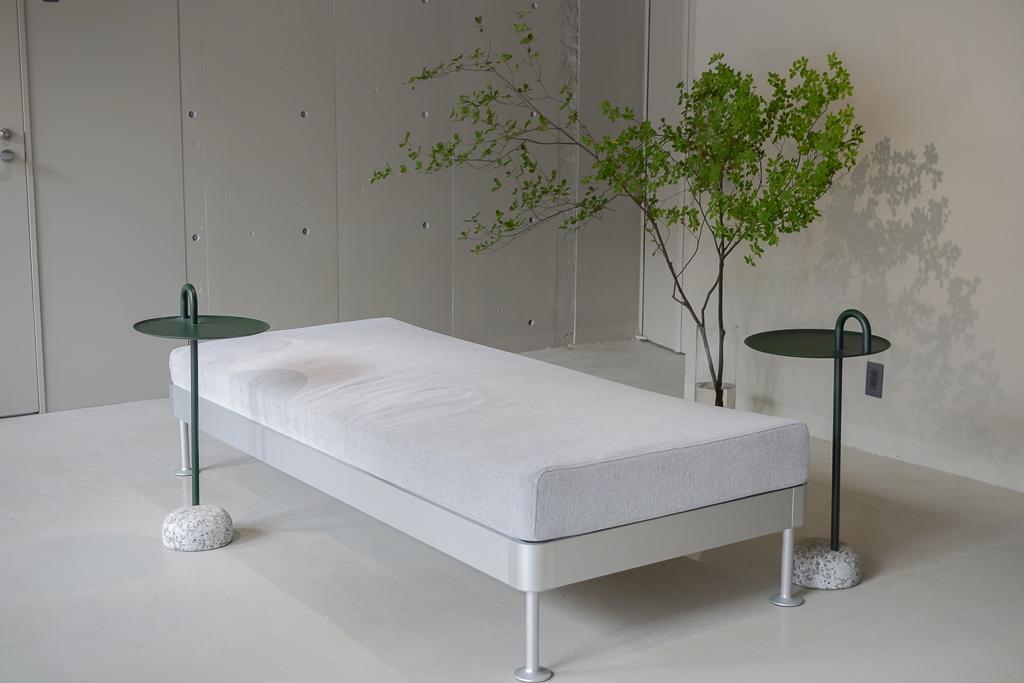 ソファ席や、カウンター席、大きなテーブルなどがあって、入居者の方はいつでも作業場として使用することができたり、来客用のMTGスペースにも利用することができます。