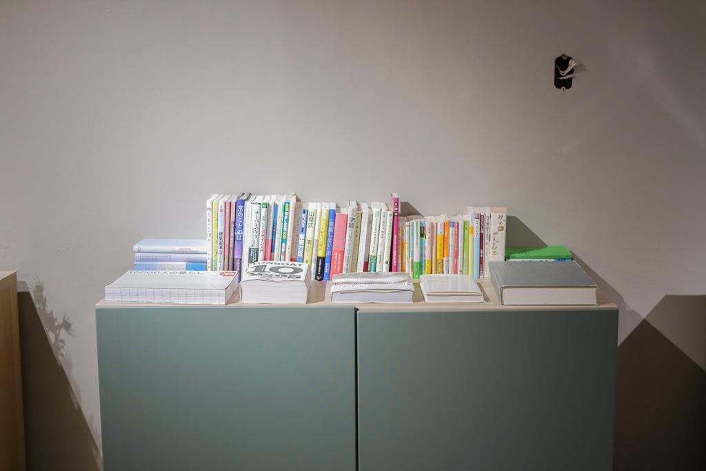 現在はまだ作りかけとなっている、「ライブラリー」。今後本棚をさらに増設し、仕事のヒントになるような書籍を多数設置する予定のようです。