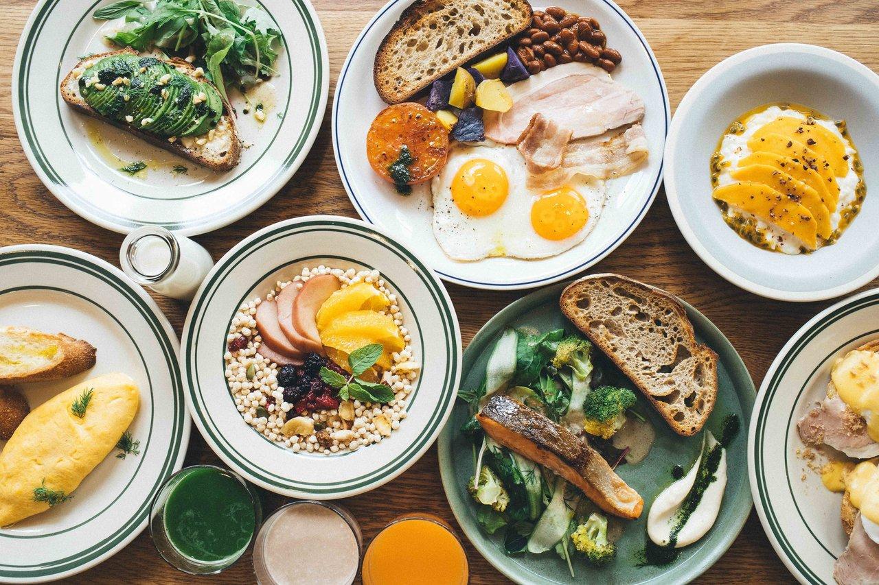 特に、ホテル暮らしなら「朝ごはん」から美味しい食事を楽しむことができるのも魅力かも!(写真は、Noum大阪)