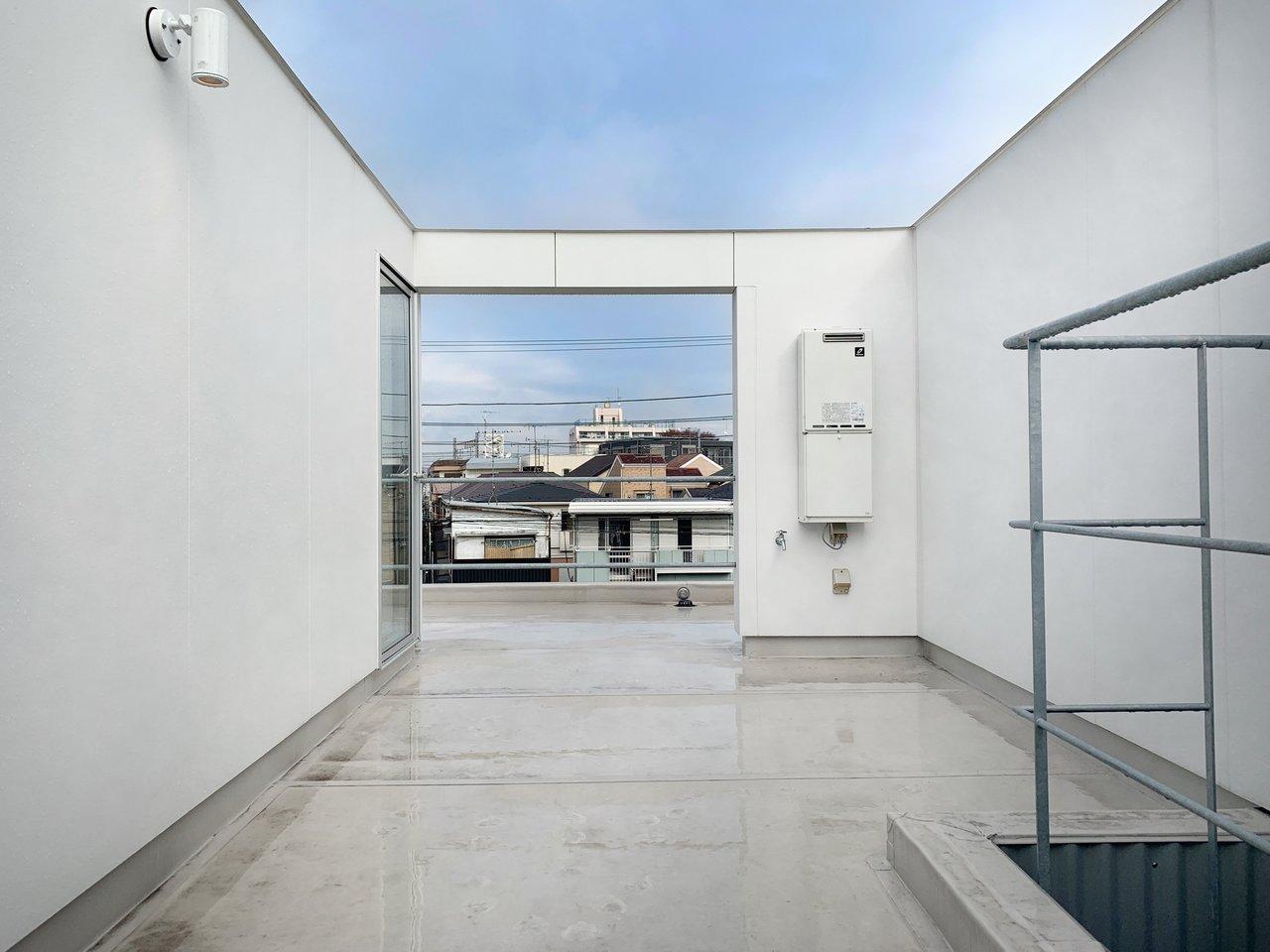 部屋を拡張するように。東京近郊・屋上付き賃貸暮らし、始めませんか