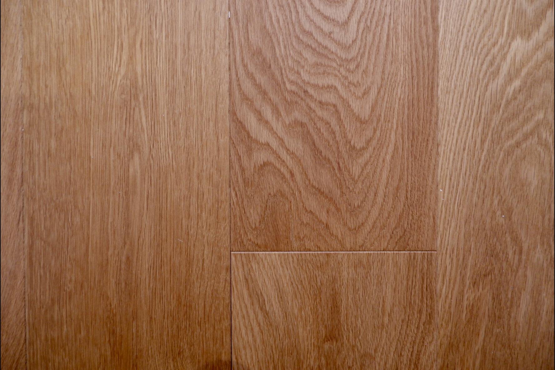 肌触りも良く、賃貸ではなかなか味わえない床材を使用。いつでも素足で過ごしたくなるような。そんな心地よさが魅力の一つ。当日実際に触ってみて感じてくださいね。