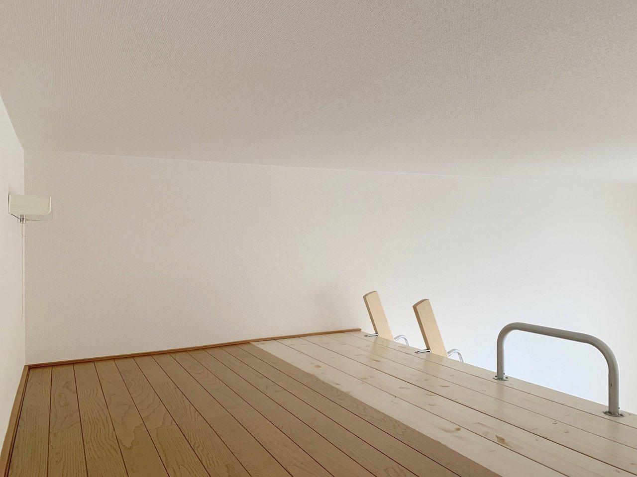 お部屋は6畳、ロフトは3畳ほど。荷物が多めな人にも嬉しいですね。
