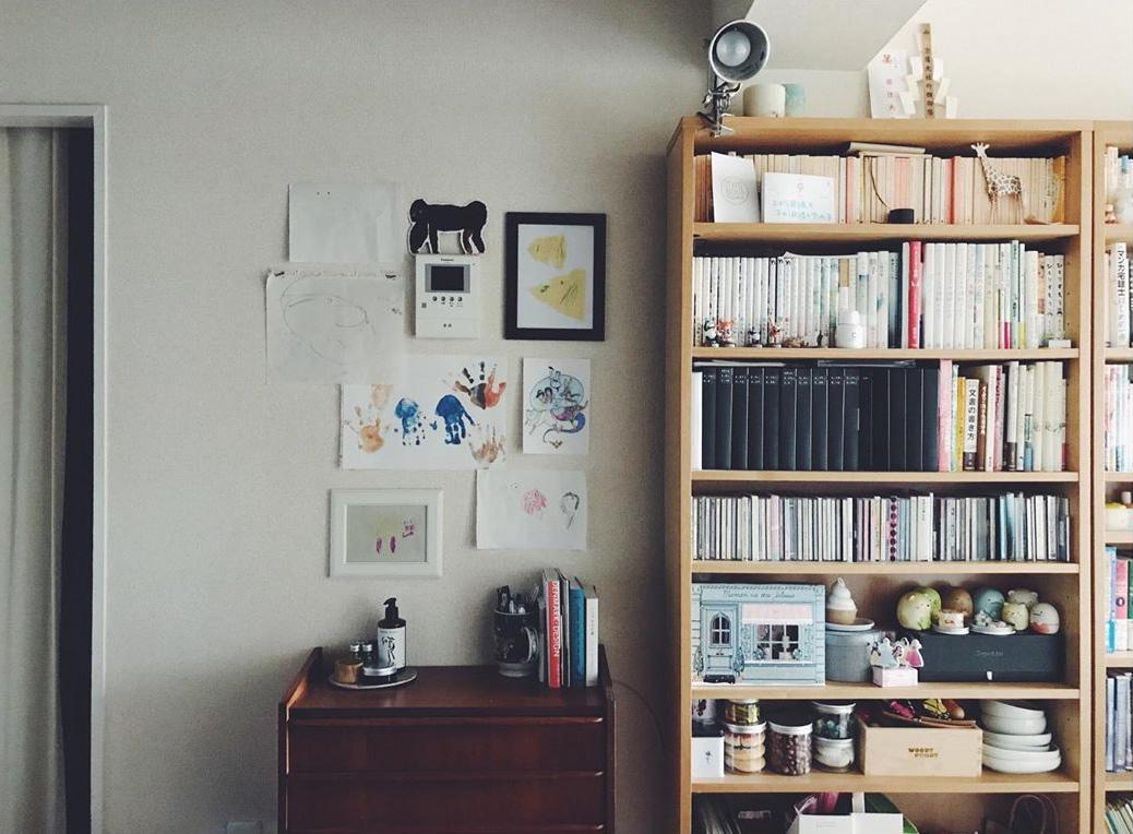 違う色味や高低差のある家具を並べるときは、家具同士をくっつけず少し空間をあけることも意識されているそう。