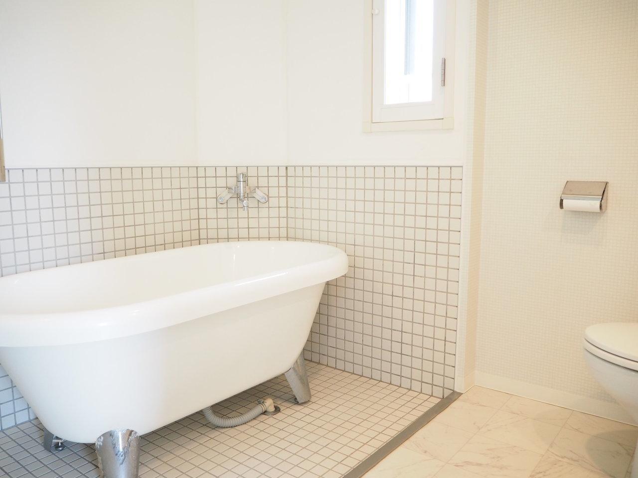 そして可愛らしいのがこのバスタブ。毎日お風呂に入るのが楽しくなりそう!