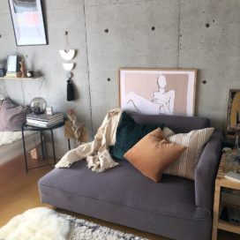 広いベランダと打ちっ放しの壁。デザイナーズマンションを住みこなす、一人暮らしインテリア