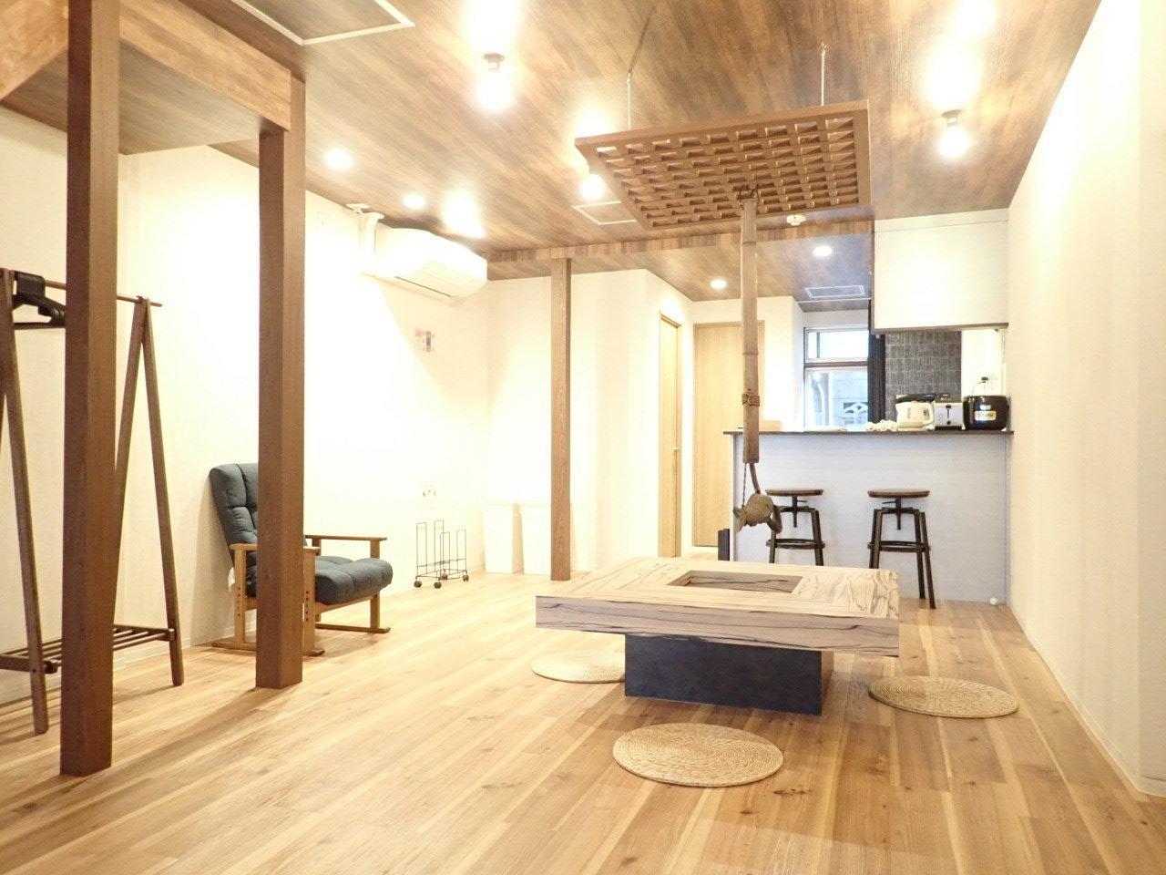家具家電が一式ついた、3LDKタイプのお部屋。