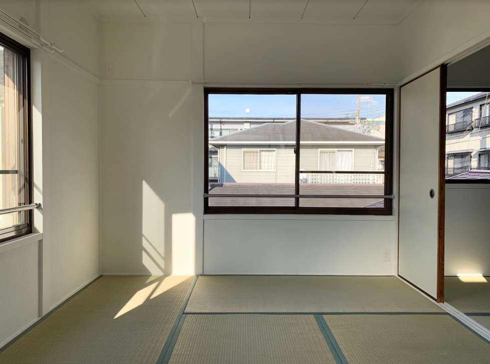2階には日当たりの良い和室が。子どもと一緒にのんびりお昼寝してしまいそう……。