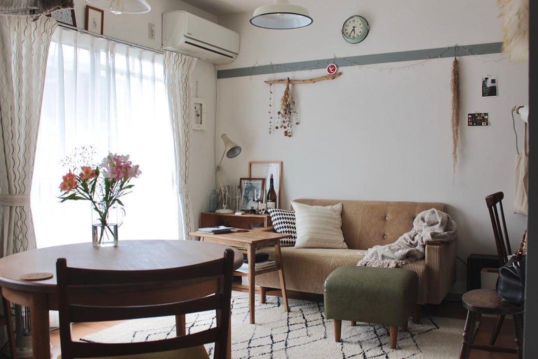 団地ライクな3DKのお部屋に北欧の家具を組み合わせて、レトロモダンなインテリアを楽しんでいらっしゃる一人暮らしのお部屋。(photo : @ko_int)