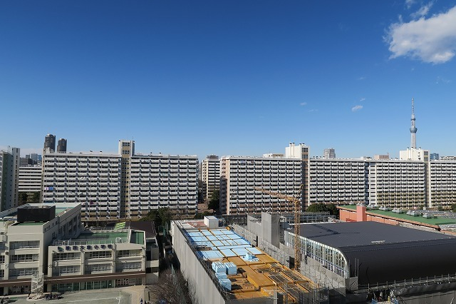 12階のベランダから見える景色は圧巻です。