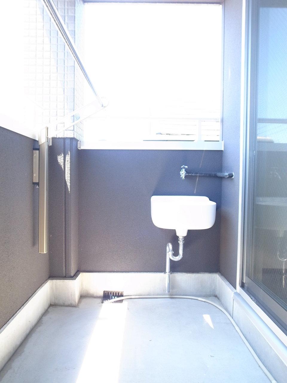 しかもこちらはペット可物件!ベランダには手洗い場がありました。汚れも気にせず遊ばせて上げられそうです。