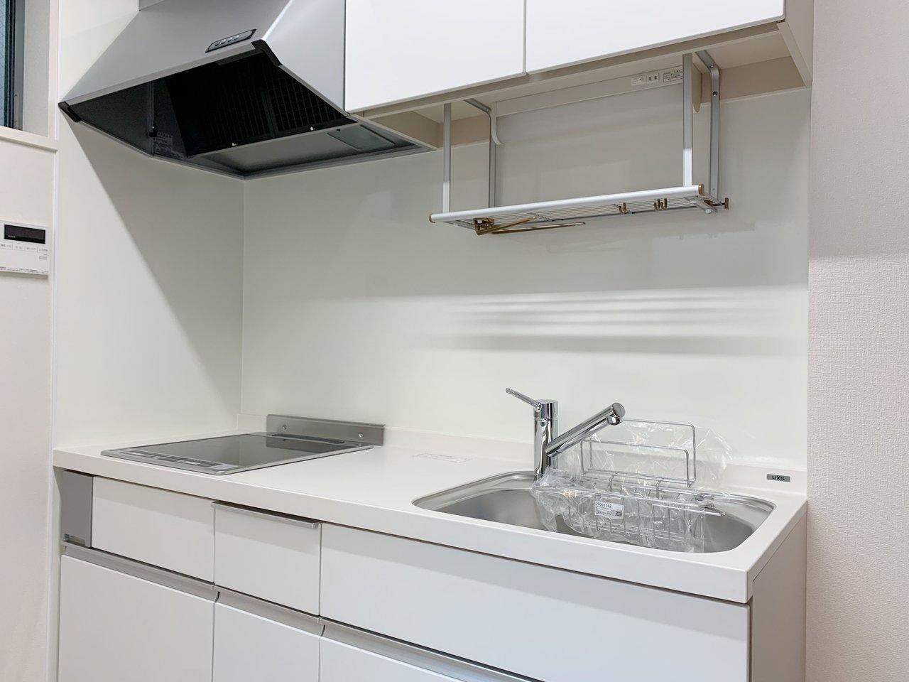 新築だから、キッチン・洗面台・お風呂もピカピカ。気持ちよく使えますね。