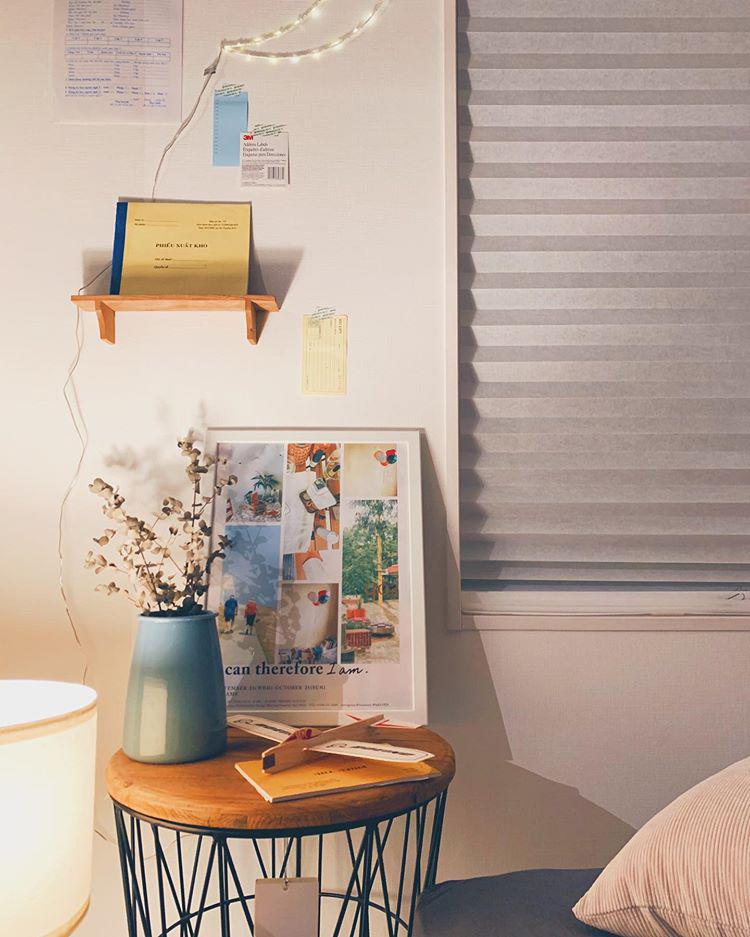 床に置いたランプに柔らかく照らされた、夜の雰囲気も素敵。