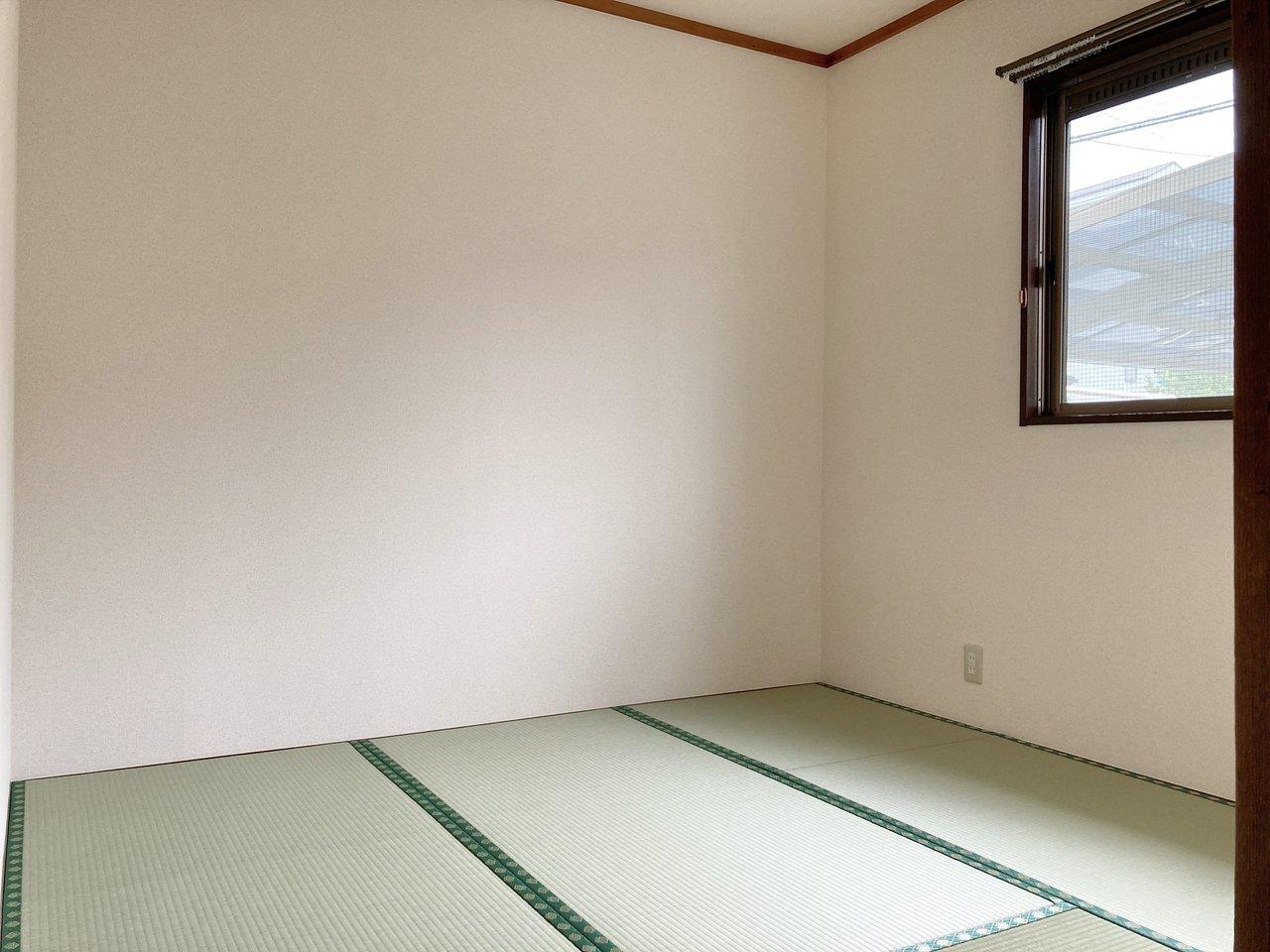 4.5畳の和室には窓もついて、明るいイメージです。寝室にするもよし、ワークスペースにするのもいいですね。