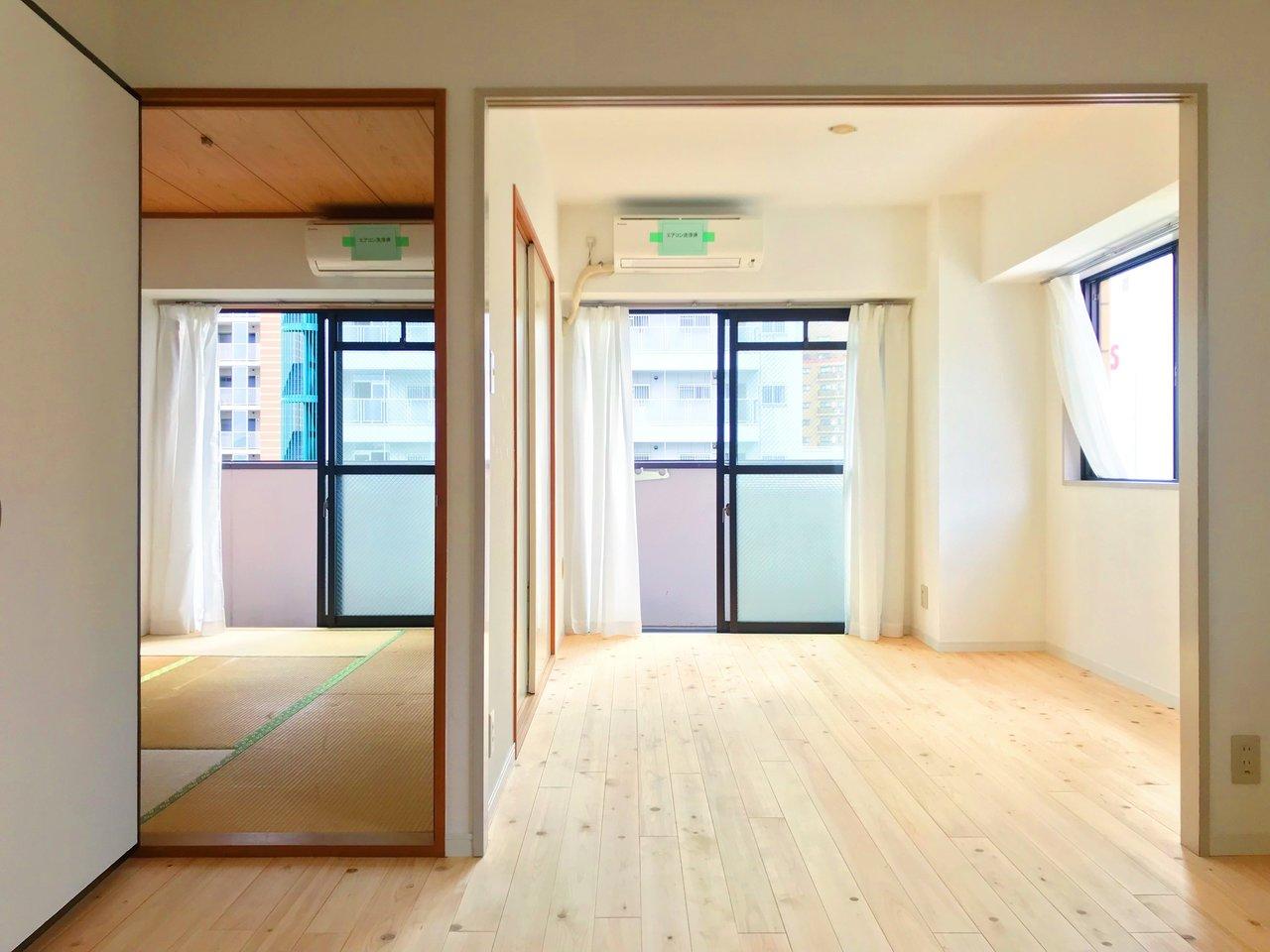 続いてはヒノキの香りが写真越しに伝わってきそうな、温かみのある2LDKのお部屋。リビングは広めの14畳。