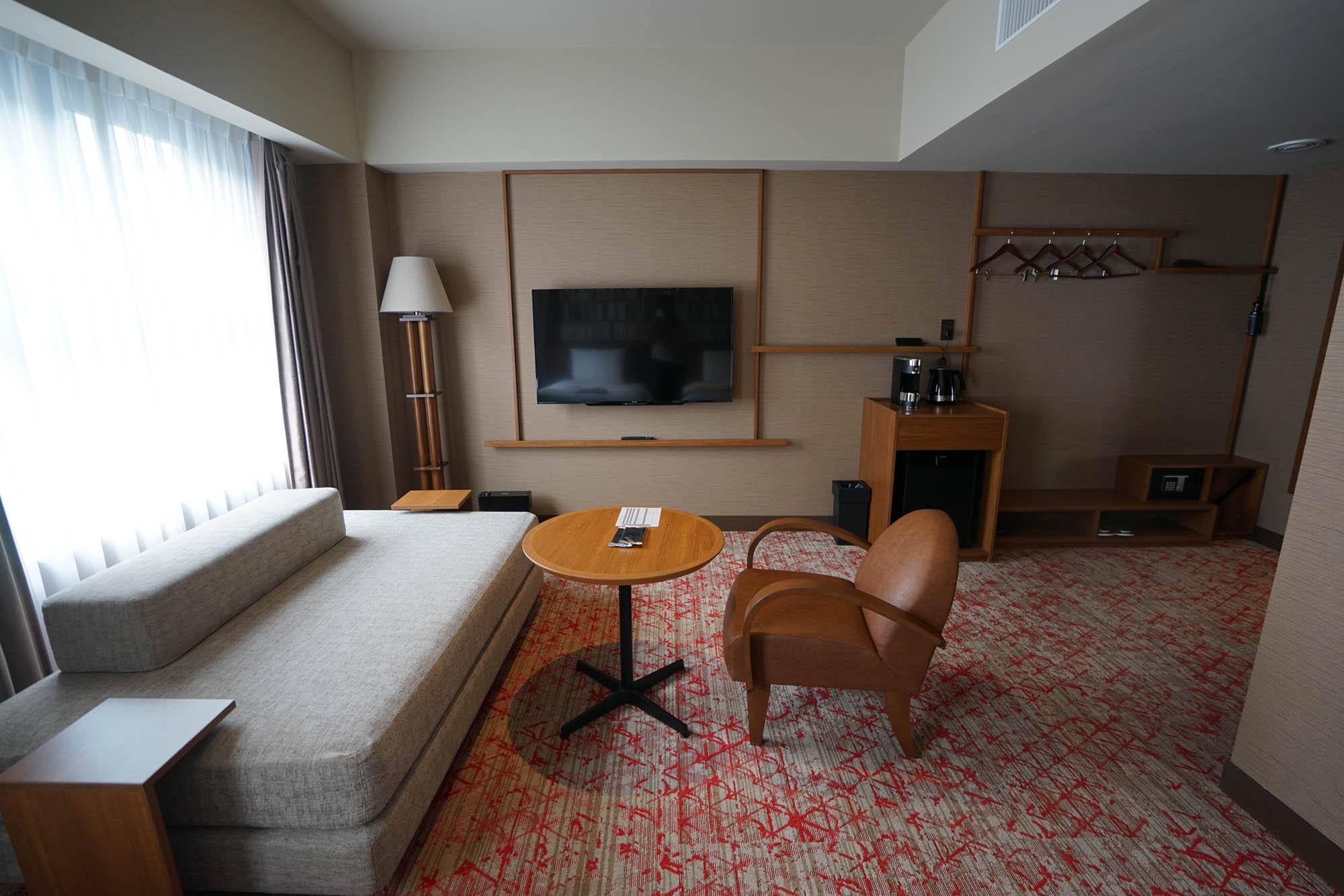 ベッドスペース以外にも広々とした空間があり、ゆったり過ごせそうです。