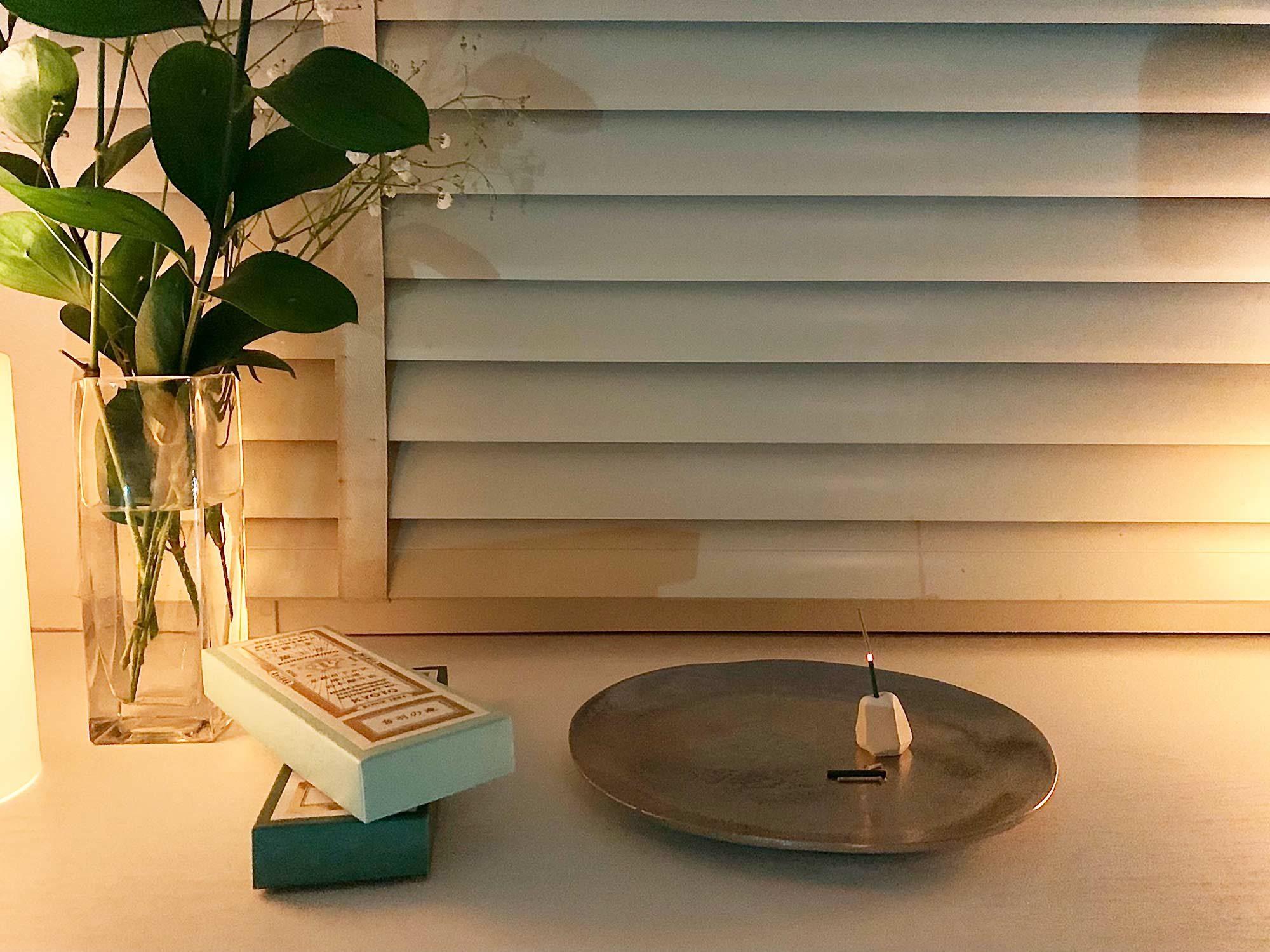 暖色系の照明との相性も良く、ホッとしたひとときが過ごせます。