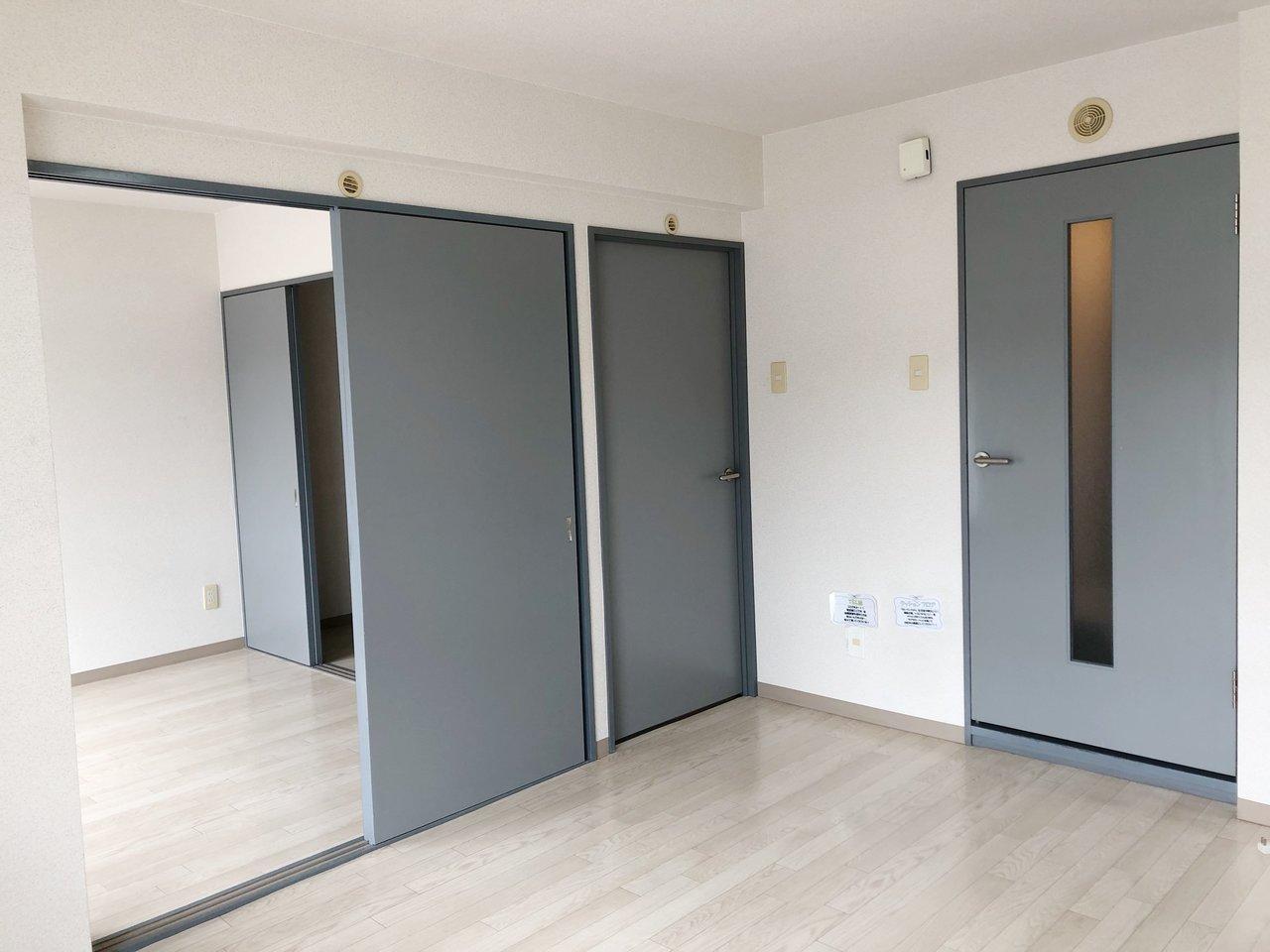引き戸を通じて、各部屋行き来できるのが特徴。閉めたり開けたりしてみて、ライフスタイルに合わせた間取りを考えてもいいかも。